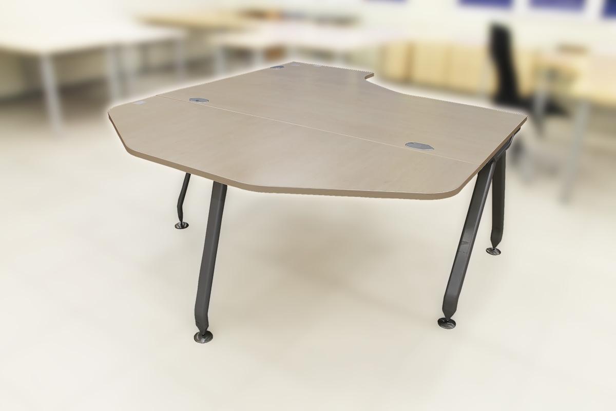 Naudoti stalų priestaliai